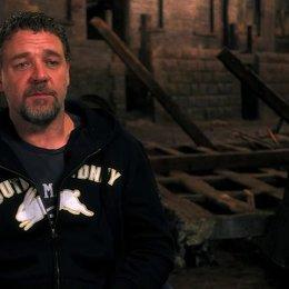 Russell Crowe über die musikalische Herangehensweise der Besetzung - OV-Interview