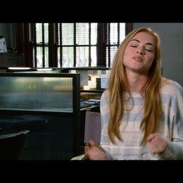 """Emily Wickersham - """"Molly"""" / über das, was die Zuschauer sehen werden - OV-Interview Poster"""