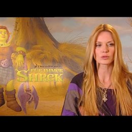 ESTHER SCHWEINS / Fiona deutsche Stimme über FÜR IMMER SHREK in 3D - Interview Poster