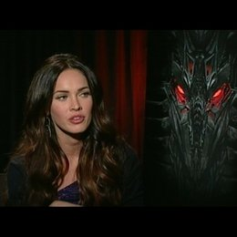 Megan Fox (Mikaela) über ihre Stunts - OV-Interview