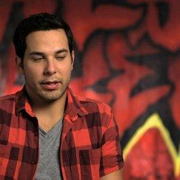 Skylar Astin über die neuen Gegner Das Sound Machine - OV-Interview