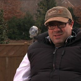 Andy Fickman (Regisseur) darüber was die Zuschauer erwarten dürfen - OV-Interview Poster