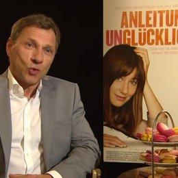 Richy Müller - Hans Luboschinski - über die Zusammenarbeit mit Johanna Wokalek - Interview Poster