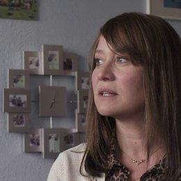 Trine Dyrholm (Nataschas Mutter) über ihr Treffen mit Natascha Kampusch am Set - OV-Interview