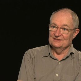 Jim Broadbent über Lindsay Duncan - OV-Interview