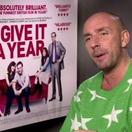 Dan Mazer (Regisseur) über romantische Komödien - OV-Interview Poster