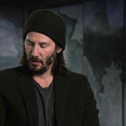 Keanu Reeves über die kämpferischen Fähigkeiten von Hiroyuki Sanada - OV-Interview Poster