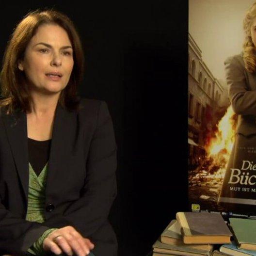 Barbara Auer - Ilsa Hermann - über ihre Rolle als Mutter - Interview Poster