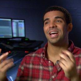Drake über seine Aufregung als er den Film zu sehen bekam - OV-Interview Poster