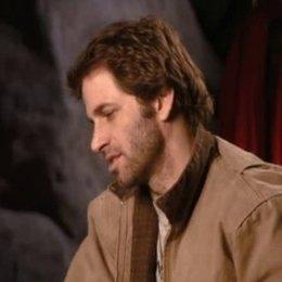 Regisseur Zack Snyder über das Training der Spartaner und die Beziehung von König Leonidas zu seiner Frau Gorgo. - OV-Interview Poster
