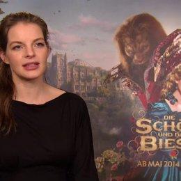 Yvonne Catterfeld - Prinzessin - über die Stimmung am Set - Interview Poster