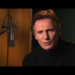 Liam Neeson über das Ankommen von Lucy und Edmund in Narnia - OV-Interview Poster