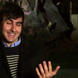 Gil Kenan über die Geschichte des Films - OV-Interview