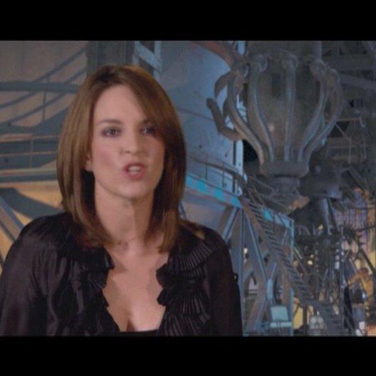 TINA FEY / Original Stimme Roxanne Ritchi / ueber ihre Rolle Roxanne Ritchi - OV-Interview Poster