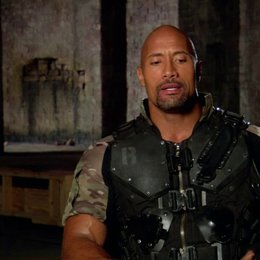 Dwayne Johnson (Roadblock) über die Zusammenarbeit mit Bruce Willis - OV-Interview Poster