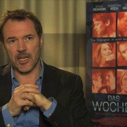 Sebastian Koch über Jens' Erwartungen an das Wochenende - Interview Poster
