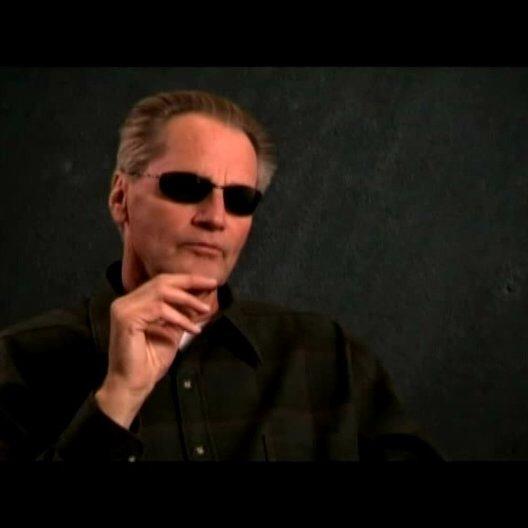 Sam Shepard (Hank Cahill) über warum er sich für diesem Film entschieden hat und die Atmosphäre, die Regisseur Jim Sheridan am Set aufbaut - OV-Interv