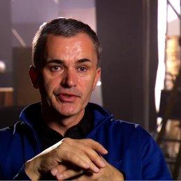 COLIN WILSON - Produzent über die Erschaffung der Filmwelt - OV-Interview Poster