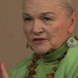 Eva Maria Hagen über das Geheimnis der Biene Maja - Interview