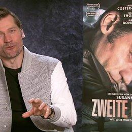 Nikolaj Coster-Waldau über die Zusammenarbeit mit Susanne Bier - Teil 2 - OV-Interview Poster