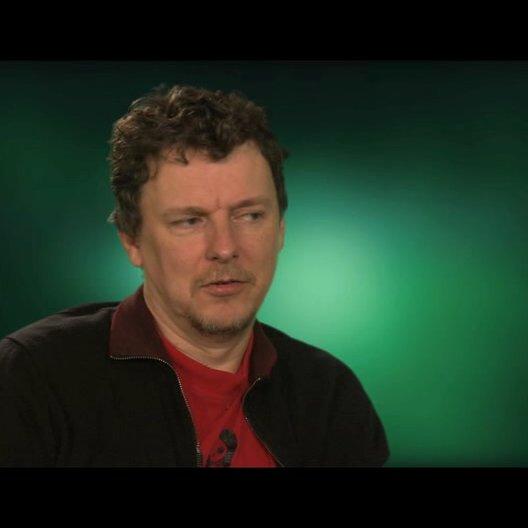 Michel Gondry über Cameron Diaz - OV-Interview Poster