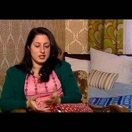 Demet Gül (Fatma - jung) über die Kunstsprache im Film - Interview Poster