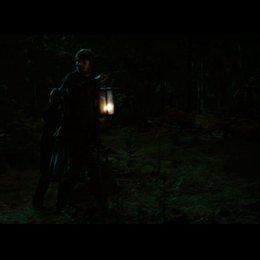 Bring die Beiden in den Wald - Szene Poster