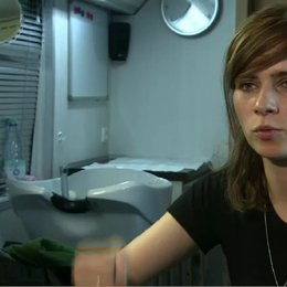 NORA TSCHIRNER - Meike Pelzer - über die Stunts im Film - Interview Poster