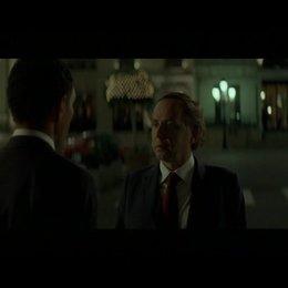 """""""Da steht ein Typ, der uns verfolgt"""" - Szene"""