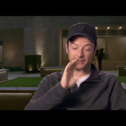 Matthew Vaughn - Regisseur - über wie wichtig ihm Charakter in seinen Filmen ist - OV-Interview Poster