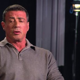 Sylvester Stallone - Drehbuch, Produzent - über Jason Statham - OV-Interview Poster