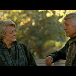 Jean und Reginald auf einer Bank - Szene