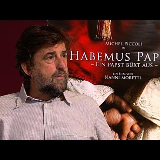 Nanni Moretti (Regie) über das Genre des Films - OV-Interview Poster