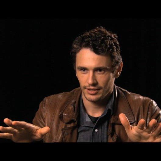 James Franco über sein Treffen mit dem echten Aron - OV-Interview Poster