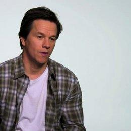 Mark Wahlberg die Beziehung zwischen John und Ted - OV-Interview Poster