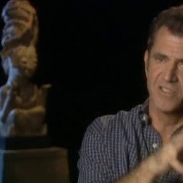 """Interview mit Mel Gibson über die Bedeutung des Begriffs """"Apocalypto"""" und die Arbeit mit unbekannten Schauspielern - OV-Interview Poster"""