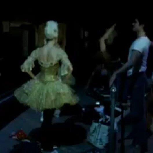 La Danse - Das Ballett der Pariser Oper - OV-Trailer Poster