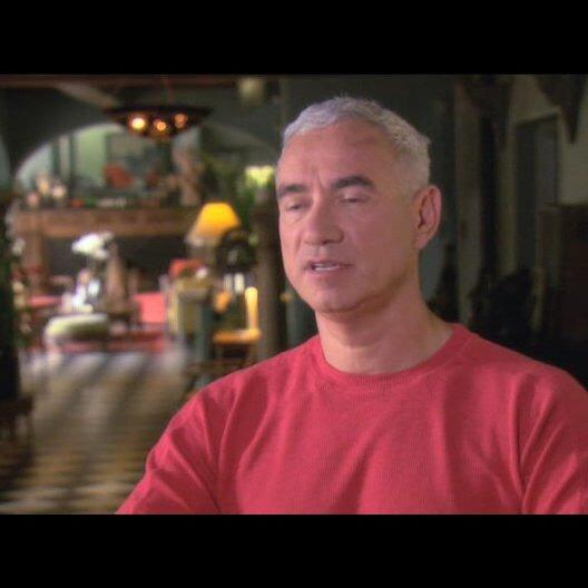 Roland Emmerich über das, was dem Publikum an Weltuntergangsfilmen gefällt - OV-Interview Poster
