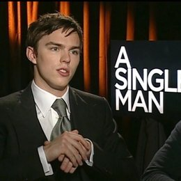 Nicholas Hoult / KENNY / über Colin Firth - OV-Interview Poster