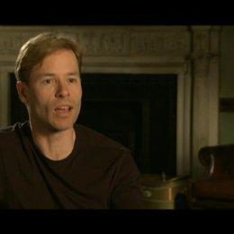 Guy Pierce (King Edwards VIII) über Colin Firth - OV-Interview Poster