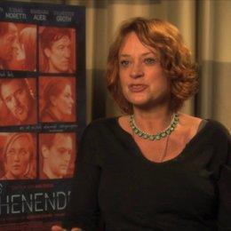Nina Grosse über das Schauspielerensemble - Interview Poster