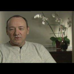 Kevin Spacey über das Drehen mit alten Freunden - OV-Interview