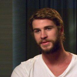 Liam Hemsworth - Gale Hawthorne - über die Arbeit mit Jennifer Lawrence - OV-Interview Poster
