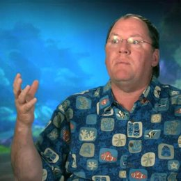 John Lasseter - Executive Director - darüber wie die Szenen durch 3D verstärkt werden - OV-Interview Poster