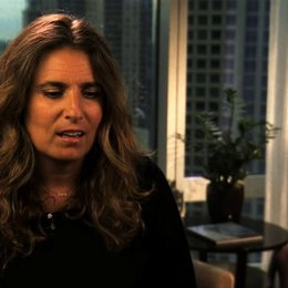 Lisa Azuelos über das Schreiben des Originaldrehbuchs - OV-Interview Poster