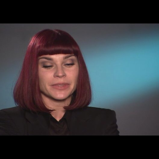 Christiane Paul über ihre Rolle (1) - Interview Poster