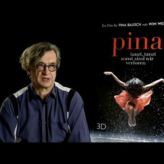 Wim Wenders (Regie) über Pina in dem Film - Interview Poster