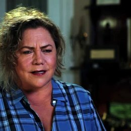 Kathleen Turner über Harry und Lloyd - OV-Interview