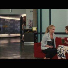 Amy und Nikki sprechen über letzte Nacht - Szene