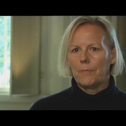 PHILLIDA LLOYD - Regisseurin - über den Tonfall des Films - OV-Interview